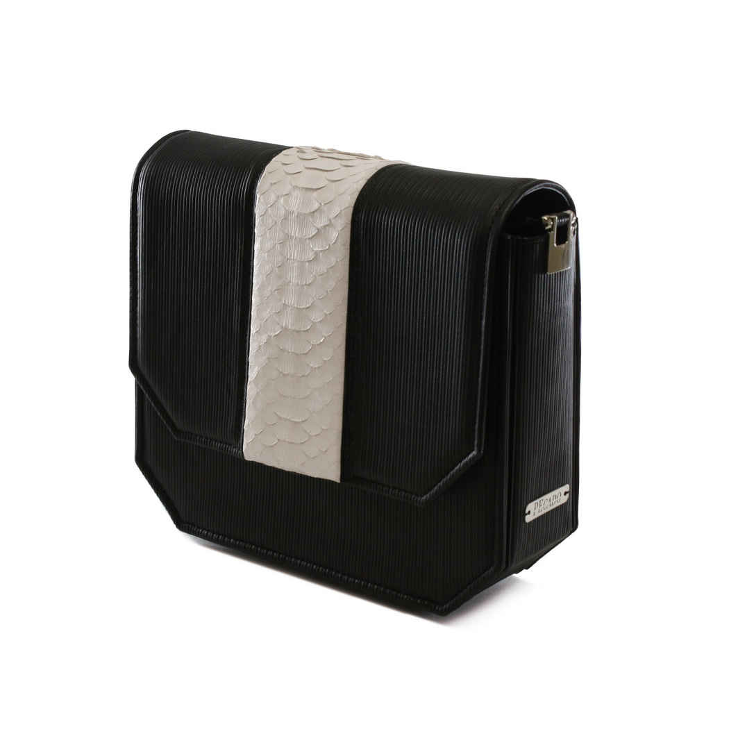 BLACK RADIANT CLUTCH BAG