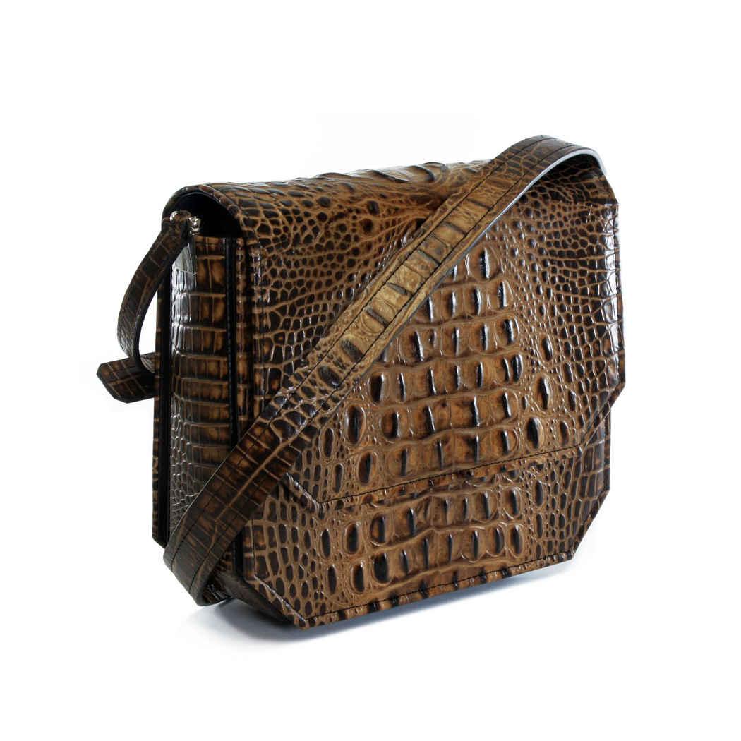 CARAMEL RADIANT CLUTCH BAG